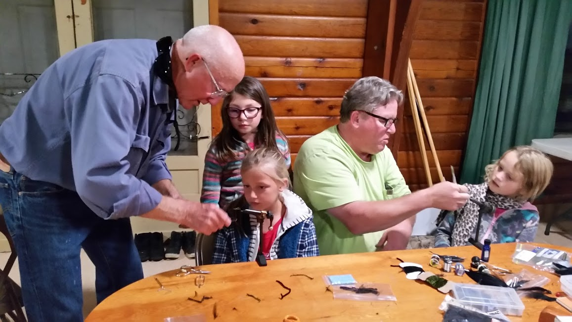 Klickitat TU STREAM Explorers Campers connect their macroinvertebrate investigation to fly tying (Credit: Molly Fahlenkamp)
